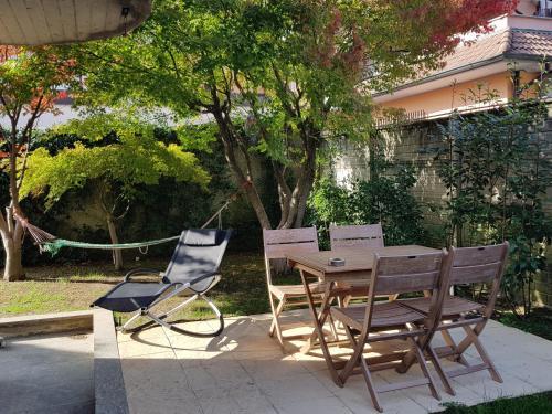 Apartment Casa con Giardino e Cucina, Cernusco sul Naviglio, Italy ...