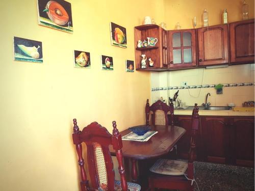 A kitchen or kitchenette at Casa Yahima Municipio Playa