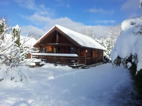 L'établissement Chalets les Silènes en hiver