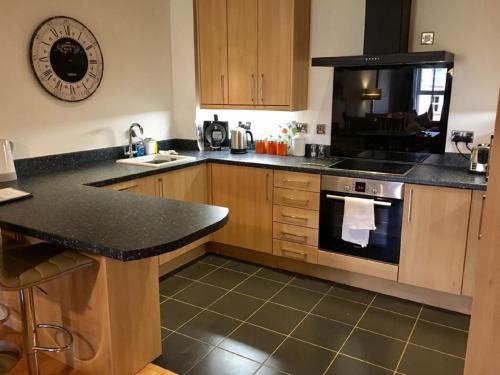 A kitchen or kitchenette at Central York Apartment - Skeldergate YO1