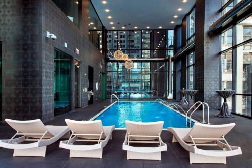 Corporate Suites Network Luxury Downtown Apartment