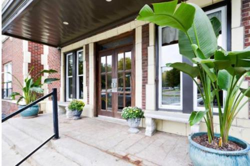 Boutique Loft & Suites - Country Club Plaza