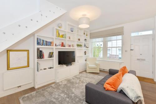 A seating area at London Lifestyle Apartments - South Kensington - Mews