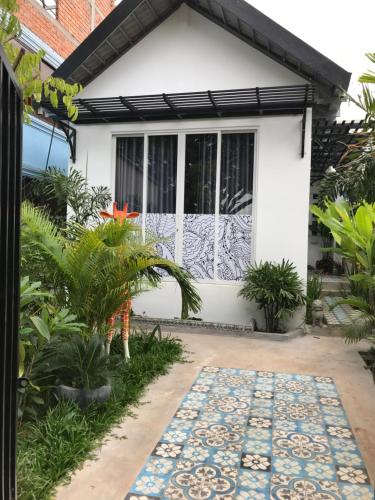 ARUN TINY HOUSE B&B