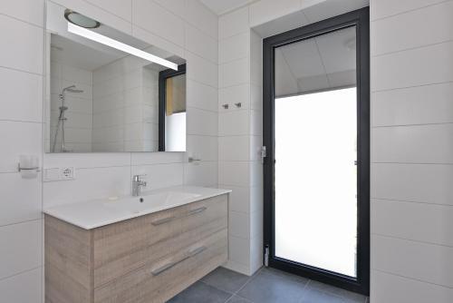 Salle de bains dans l'établissement d'Ouwe Haven 10F