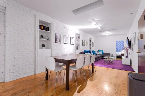 Times Square 3 bedroom!