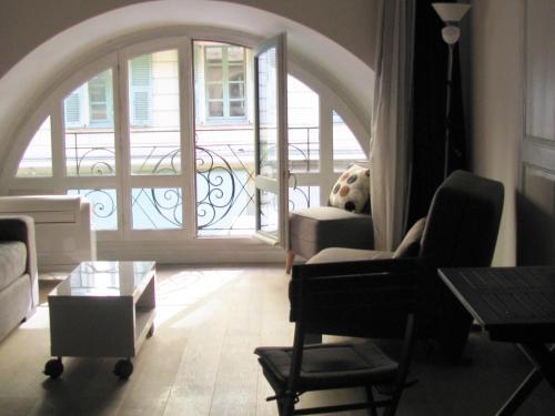 Istumisnurk majutusasutuses Sam Le Lezard Sarl