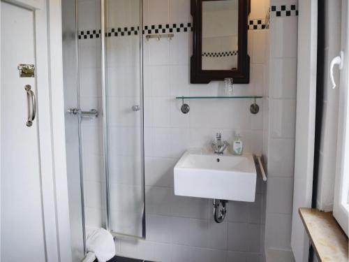 Ein Badezimmer in der Unterkunft Holiday Home Patersberg
