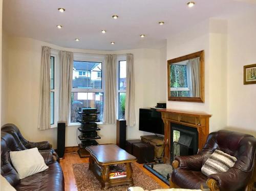 Luxurious very spacious one bedroom flat