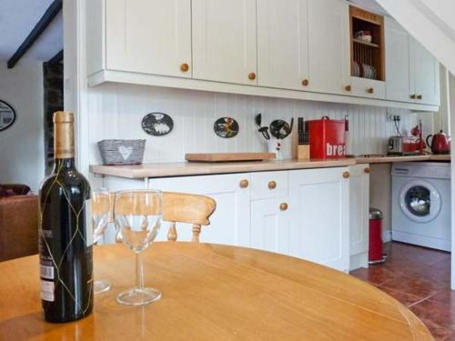 A kitchen or kitchenette at Glan-y-Porth
