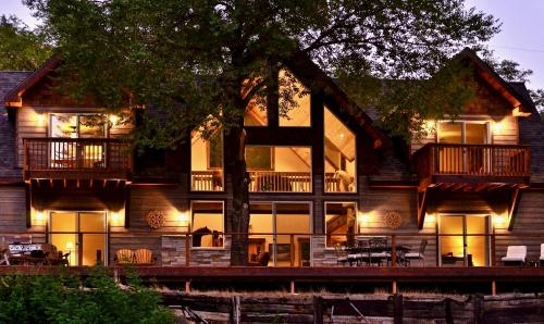 The Lodge at Big Eddy