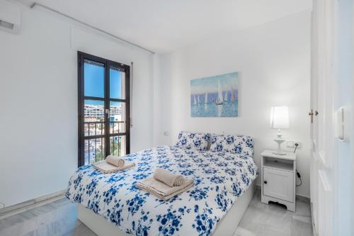 A bed or beds in a room at 2 bedroom apartment in Puerto Banus