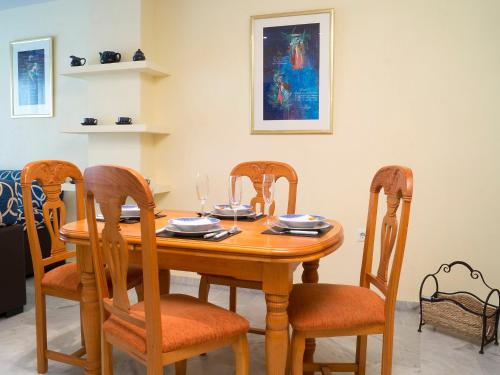 A restaurant or other place to eat at Apartment Urb Las Terrazas