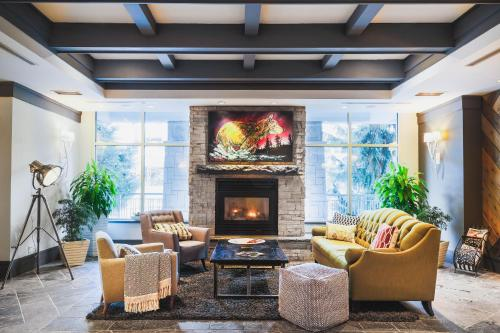 Summit Lodge Boutique Hotel Whistler