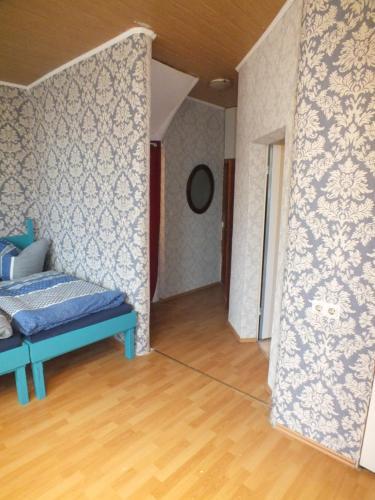 ferienwohnung klubertz wohnung mit sauna deutschland k nigswinter. Black Bedroom Furniture Sets. Home Design Ideas