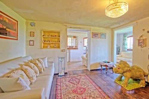 A seating area at La Casa fra gli Ulivi