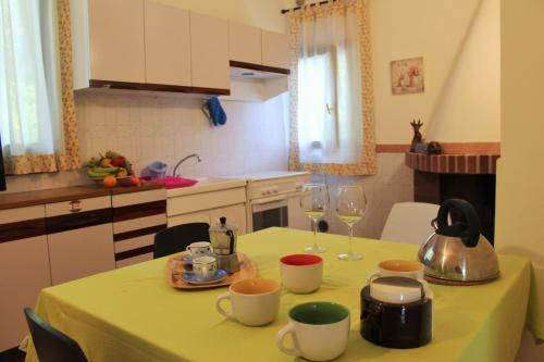 A kitchen or kitchenette at Casa Castagno