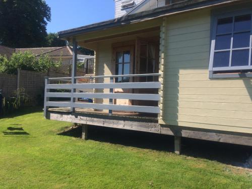 Morlais Log Cabin