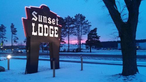 Sunset Lodge Escanaba