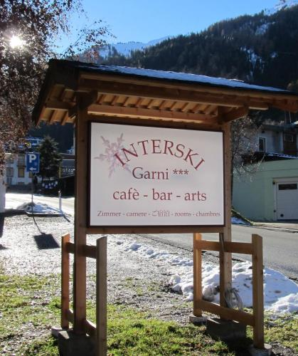 Garni Interski