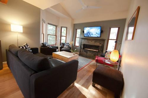 French Townhome #146585 Townhouse
