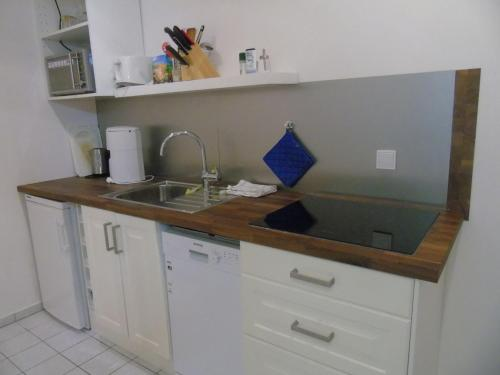 A kitchen or kitchenette at Haus Amberger