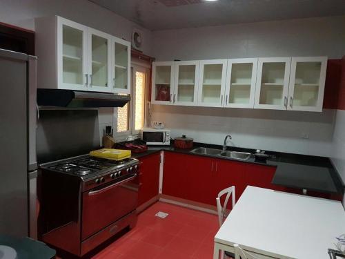 A kitchen or kitchenette at مسقط_ بوشر