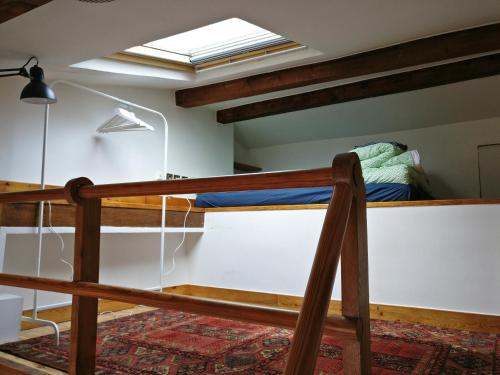 A bunk bed or bunk beds in a room at Appartement proche République