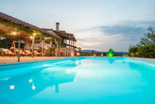 Bouganvillia Villa - Agios Pool