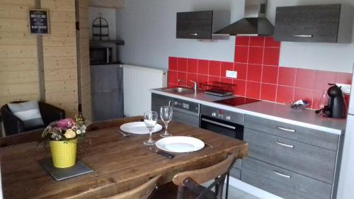 Kitchen o kitchenette sa La Petite Forge