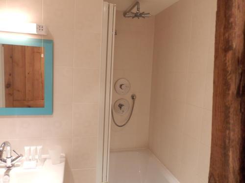A bathroom at Guild Cottage