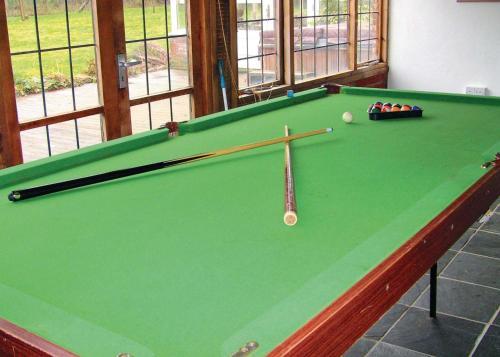 Ein Billardtisch in der Unterkunft Hobbis House