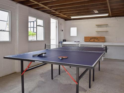 Ping-pong facilities at Stourcliffe House or nearby