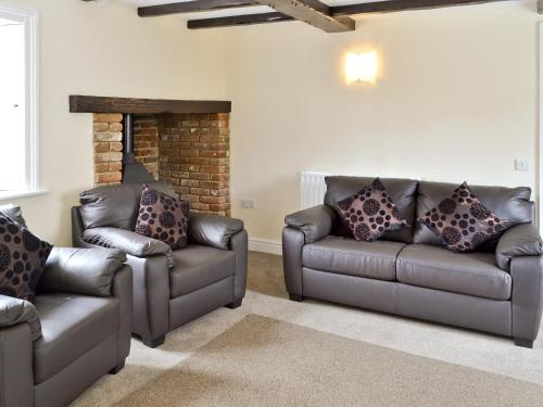 A seating area at Cromwell Cottage