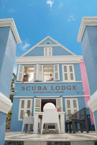 Scuba Lodge & Suites