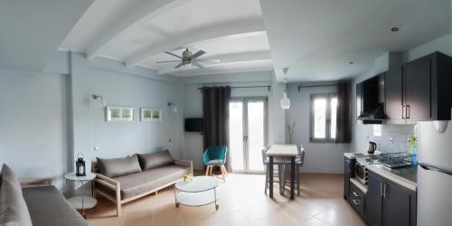 A seating area at Villa Despina Green Suites