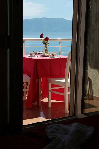 hotel u201cvila bregdeti u201d vlor albania booking com rh booking com