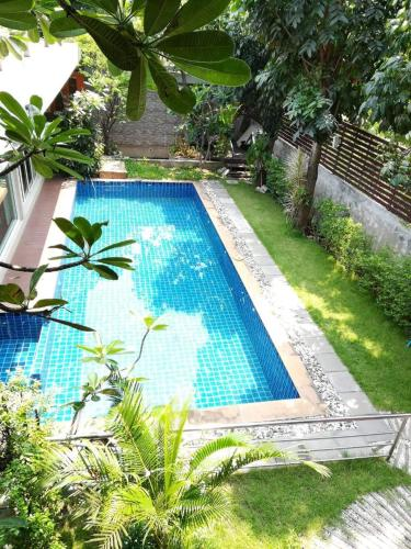 Der Swimmingpool an oder in der Nähe von Nature Home