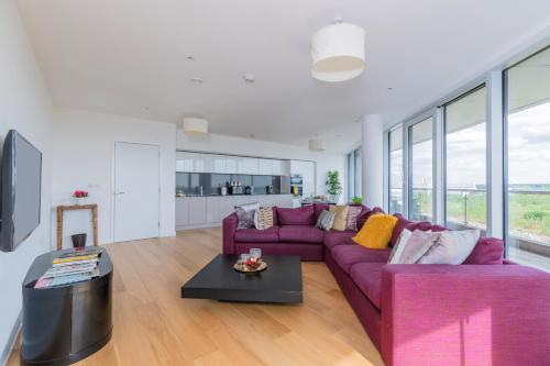Penthouse 2BR 2BTH - Chiswick Park