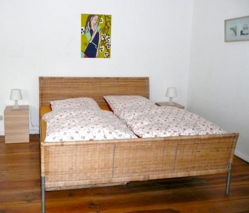 A bed or beds in a room at City Apartment Berlin