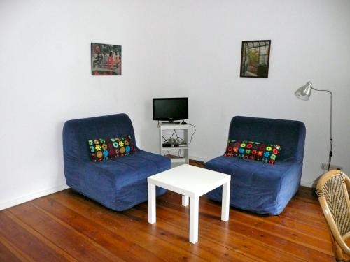 A seating area at City Apartment Berlin