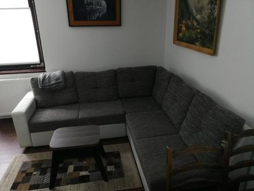 Predel za sedenje v nastanitvi Apartment KLEMEN