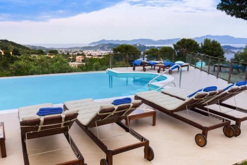 Πισίνα στο ή κοντά στο Villa Hermes