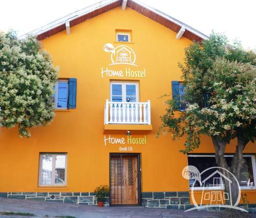 HOPA-Home Patagonia Hostel & Bar