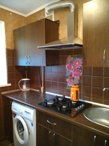A kitchen or kitchenette at Hata Belarusa