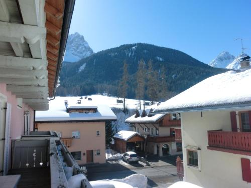 Residence Alpenrose during the winter
