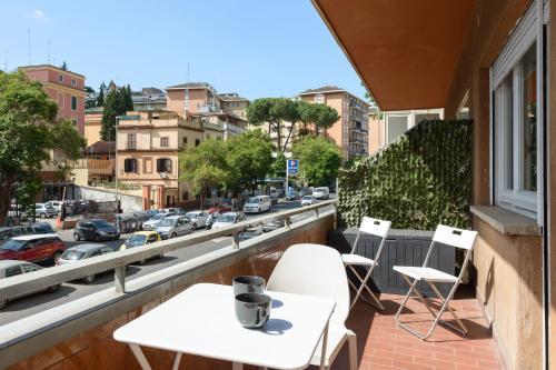A balcony or terrace at Claudio Vaticano appartamento