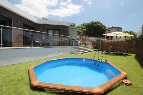 The swimming pool at or near Casita Alberto SpainsunRentals