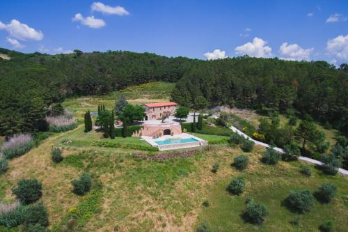A bird's-eye view of Villa Cava Alta