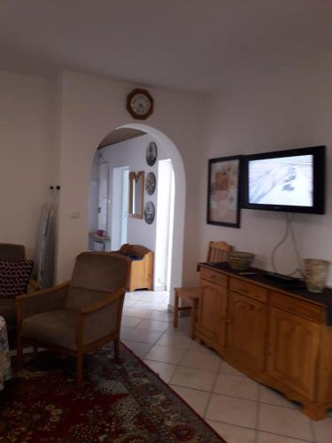 A television and/or entertainment center at U Danusi
